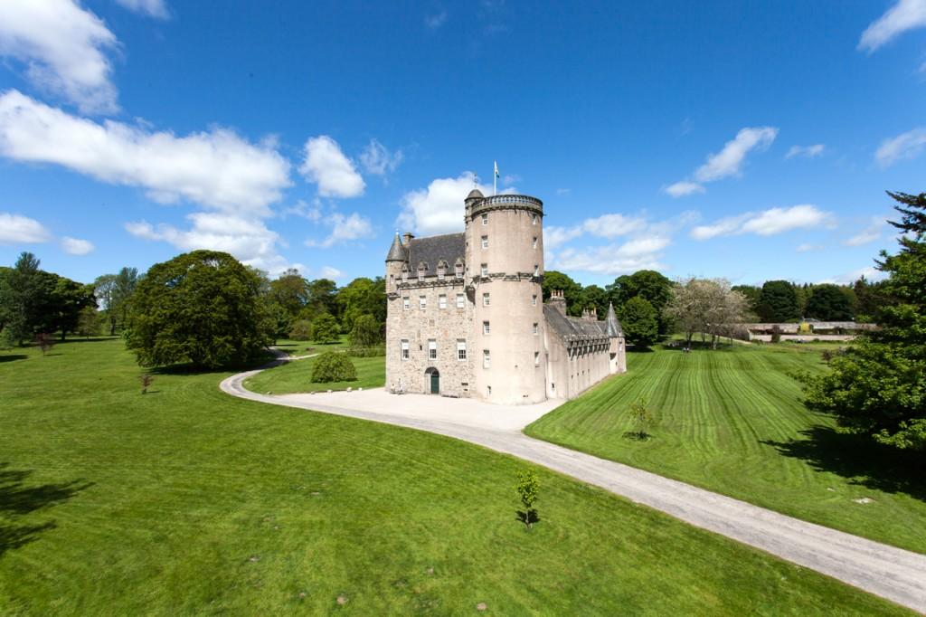 Castle Fraser 01
